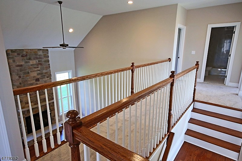 galerry- oak railing